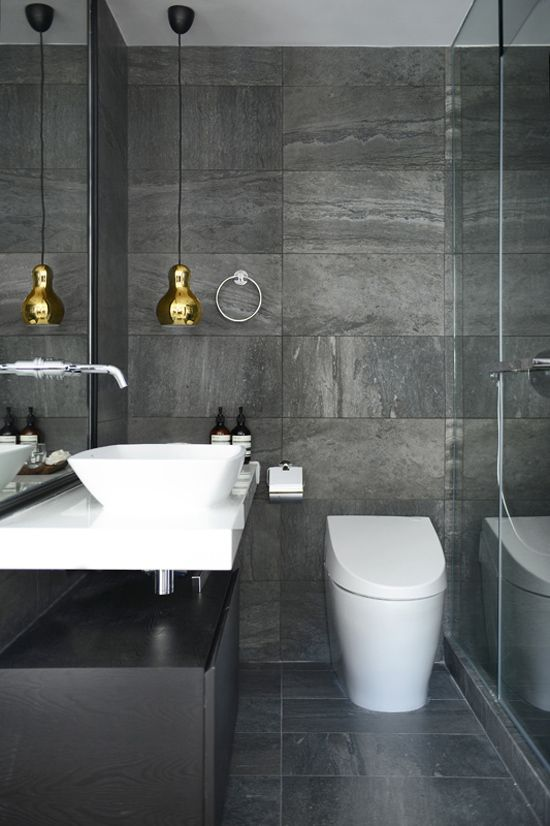 7 ways to make a small bathroom look bigger: colour contrasts